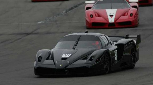 Un Ferrari Enzo şi un Ferrari FXX, ambele deţinute de Michael Schumacher, sunt de vânzare