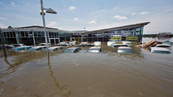 Ghinion pentru VW: mii de maşini noi afectate de furtunile puternice din Germania