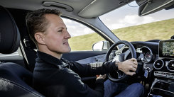 VIDEO: Schumacher testează noul Mercedes-Benz C-Class