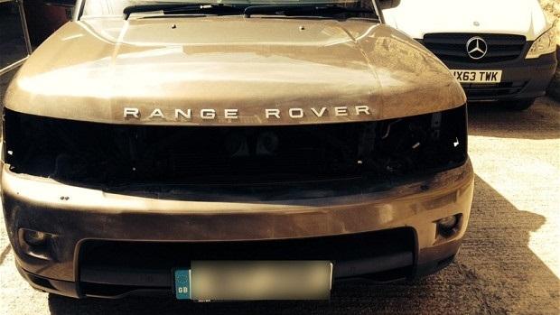 Hoţii din UK fură farurile LED de pe Range Rover-uri pentru a le vinde... crescătorilor de canabis