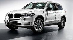OFICIAL: BMW-ul X5 blindat care rezistă unui atac cu sute de gloanţe