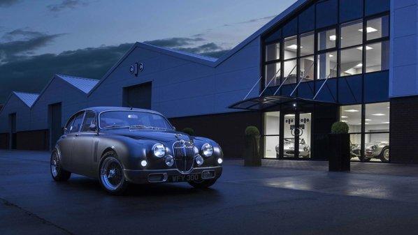 Ian Callum ne prezintă restomodul său, bazat pe Jaguar Mark 2
