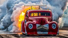 Doar în AMERICA: camioneta propulsată de un MOTOR CU REACŢIE