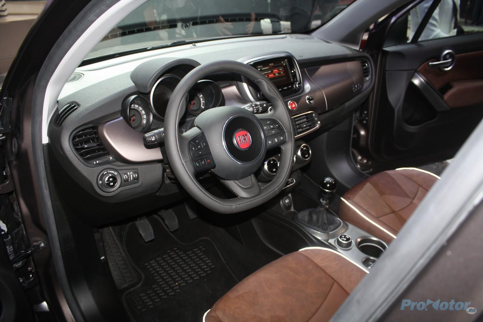 imagini fiat 500x se prezint ca un crossover cochet la salonul auto de la paris. Black Bedroom Furniture Sets. Home Design Ideas