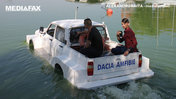 Dacia amfibie, o realitate creată de studenţii din Constanţa
