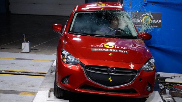 Suzuki Vitara primeşte cinci stele la testele Euro NCAP, Mazda2 obţine patru stele