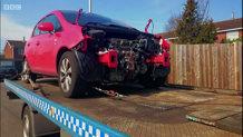 Hoţii de maşini au găsit o nouă metodă de a teroriza proprietarii: dezmembrează maşinile chiar în faţa casei