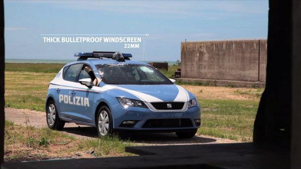 Cum testează Poliţia din Italia SEAT-urile Leon blindate din dotare. VIDEO