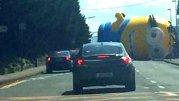 """""""TEROARE"""" în Dublin: un minion gigant a semănat groaza şi amuzamentul printre şoferi"""