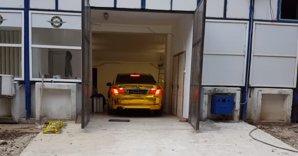 VIDEO. E ceva mai bun ca un BMW Seria 7? Da, un BMW Seria 7 auriu. GALERIE FOTO