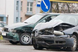 Coşmar pentru şoferii români: preţul RCA pentru un Logan ar putea ajunge la peste 1.000 de euro în 2016