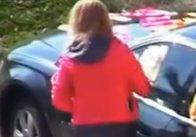 VIDEO Surpriza de care a avut parte o şoferiţă din România care a parcat pe locul altcuiva