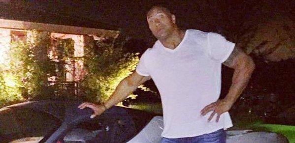 The Rock a primit o maşină de 5 milioane de dolari, însă nu o poate folosi FOTO
