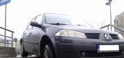 GALERIE FOTO. Cum să parchezi maşina pe treptele pentru pietoni. Un şofer din Bucureşti ne arată