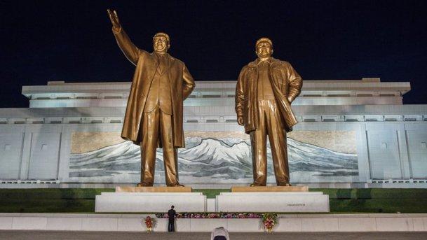 GALERIE FOTO. Maşinile dictatorilor - află ce automobile deţineau Hitler, Saddam Hussein sau Kim Jong-Il