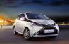 Toyota Aygo - de la 9.300 de euro. Una din echipările de bază cuprinde: caroserie hatchback cu trei uşi, motor 1.0 (68 HP), transmisie 5 trepte manuală, culoare exterioră albă, tapiţerie neagră şi jante de oţel 14 inci cu capac de plastic. Pe site-ul mărcii puteţi să vă configuraţi maşina în funcţie de necesităţi.
