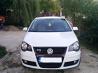 Volskwagen Polo GTI - 5.000 de euro. Acest Volkswagen Polo din 2007 este pe benzină, are un rulaj de 204.500 de km la bord, o capacitate de 1.800 cm3, motor 1.8 Turbo de 150 de CP, iar lista dotărilor mai conţine opţiuni precum: senzori presiune pneuri, închidere centralizată, 6 airbag-uri, volan şi schimbător din piele şi jante aliaj originale GTI. Proprietarul declară că maşina are reviziile făcute la reprezentanţă, caiet de service cu care poate dovedi acest lucru, iar încă un aspect important ar fi acela că distribuţia a fost schimbată la 180.000 de km (se poate dovedi cu factură+deviz).