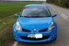 """Renault Clio sport RS 197 - 8.200 de euro.  Descrierea acestui Renault Clio este extrem de scurtă: motor pe benzină, an de fabricaţie 2007, rulaj 95.000 de km, caroserie hatchback, iar capacitatea motorului este de 2.000 de cm3. Proprietarul mai specifică """"este o maşină pentru pasionaţii Renault sport."""""""