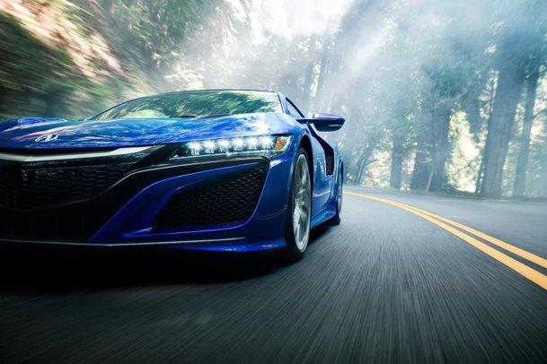 Noua Honda NSX este incredibilă, dar poate să ţină piept rivalilor Audi R8 sau Porsche 911? GALERIE FOTO