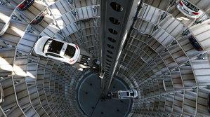 Cum arată cel mai mare showroom auto din lume? Are 20 de etaje şi poate găzdui sute de maşini | GALERIE FOTO - VIDEO