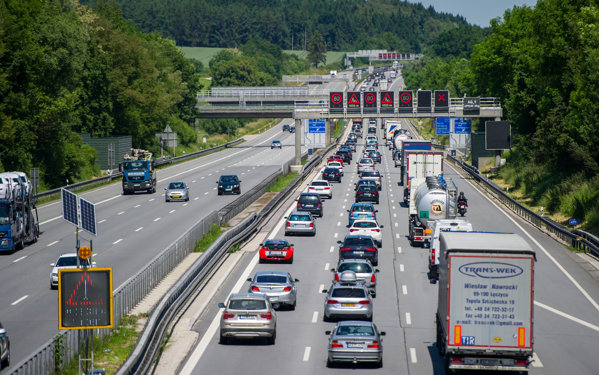 Drumul din Europa unde nu există limită de viteză are o singură interdicţie