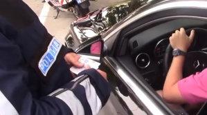 """Arma secretă a Poliţiei face """"ravagii"""" pe Autostrada Soarelui - VIDEO"""
