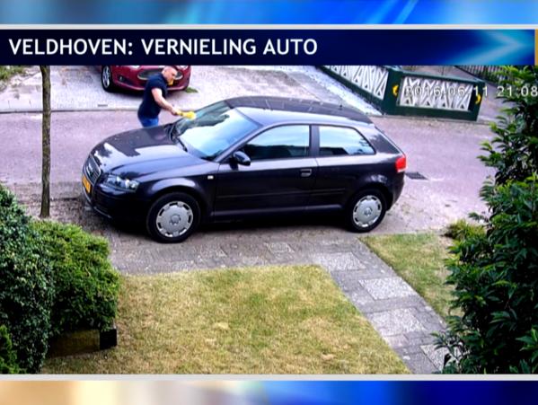 Reclamă gratuită pentru nemţi cu un olandez care s-a plictisit să dea în maşină fără rezultat [EVENIMENT FILMAT]