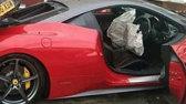 Un bărbat închiriază un Ferrari de 350 de mii de dolari pentru nunta sa... Continuarea e de poveste -  FOTO