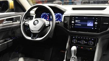 Nu mai e niciun secret. Ăsta e noul Volkswagen pe care l-am aşteptat tot anul [GALERIE FOTO-VIDEO]