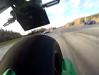 2 roţi distrug 1.200 de cai în cea mai umilitoare liniuţă dintre motociciletă şi maşini [VIDEO]