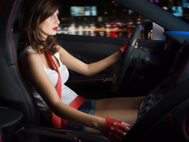 La ce se uită o femeie când cumpără o maşină şi la ce se uită un bărbat? Nu e un banc.