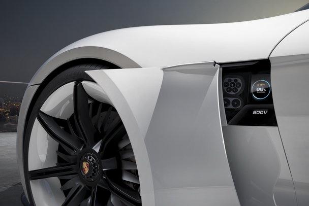Porsche are minunea SF cu care vrea să bată Tesla