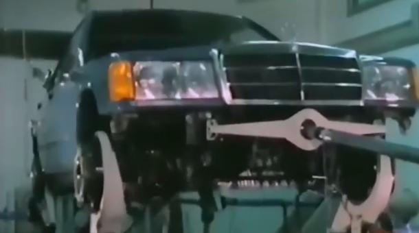 Cum arătau testele pentru maşinile Mercedes din anii '80 [VIDEO]