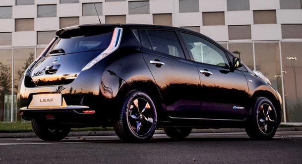 Gândacul Nissan Leaf Black Edition poate fi comandat, în Anglia [PREŢURI ŞI GALERIE FOTO]