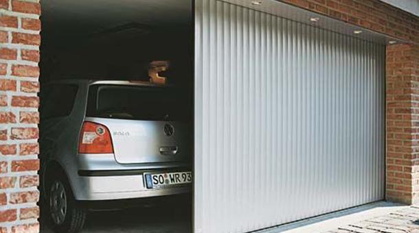 O companie i-a dezactivat unui client uşa de la garaj pentru un motiv bizar