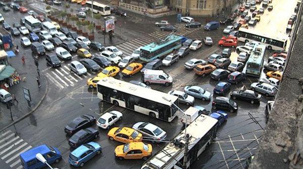 Soluţii pentru a fluidiza traficul în Bucureşti