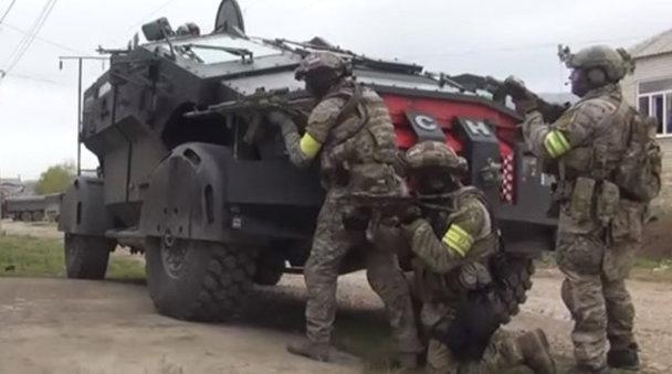 Cum arată Batmobilele ruseşti care au debarcat în Crimeea - VIDEO