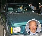 Clint Eastwood – GMC Typhoon. Legendă a filmelor western, regizor şi producător, Clint Eastwood a fost implicat în peste 50 de filme, lucru care l-a ajutat să strângă o avere impresionantă, zvonurile spunând că are un cont bancar ce-l face unul dintre cei mai bogaţi actori din lume. În ciuda averii sale, el conduce un GMC Typhoon podus acum 22 de ani, care are un motor de 4.3L V6, capabil să producă 280 CP. Preţul lui este de 29.500 de dolari.