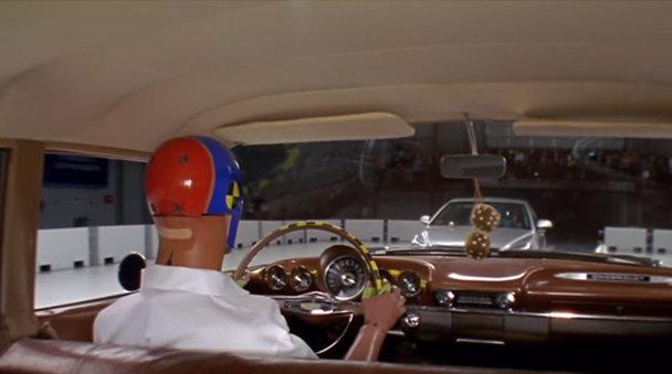 Impact dintre o maşină din 1959 şi una din zilele noastre - VIDEO
