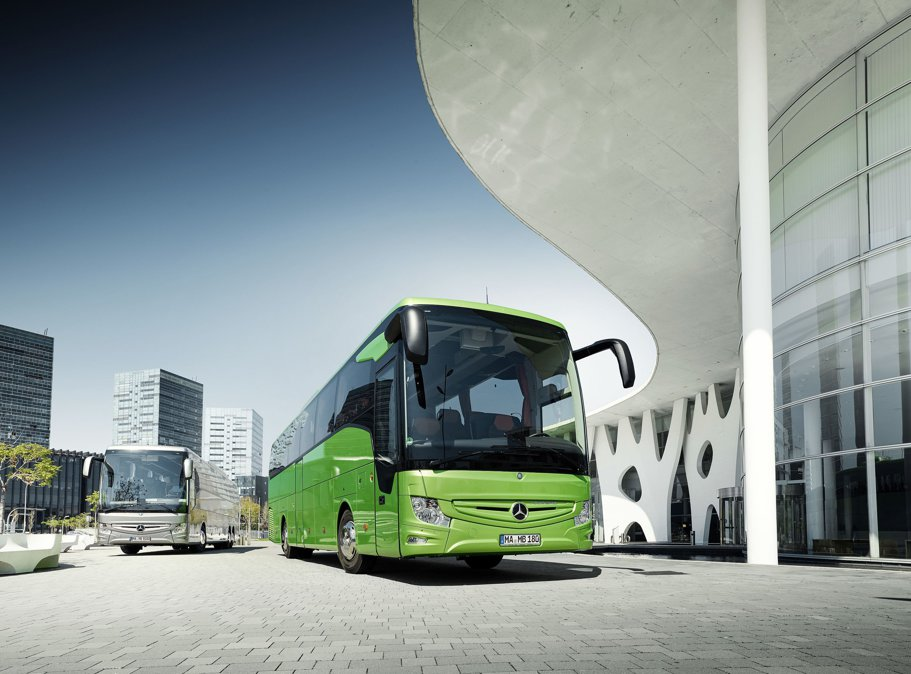 Mercedes-Benz Tourismo RHD - Autocarul care rescrie standardele în clasa sa