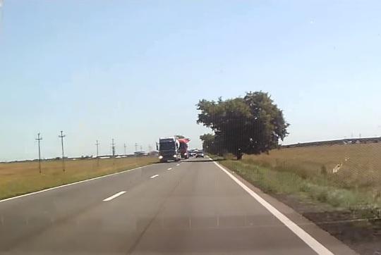 Depăşirea de Buzău, cel mai periculos sport de pe şosele - VIDEO
