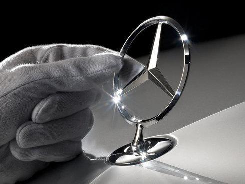 Daimler va combate acuzaţiile potrivit cărora emisiile motoarelor Mercedes-Benz au fost manipulate