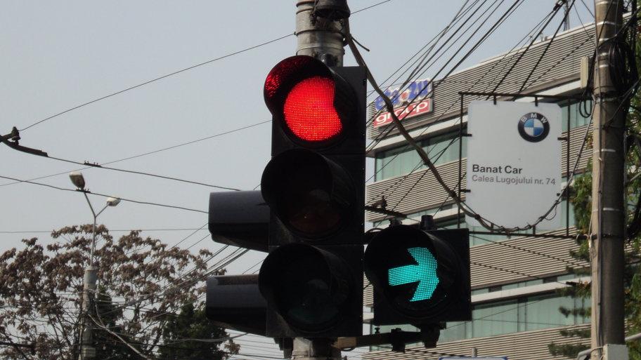 Lista intersecţiilor în care vor fi montate semafoare cu verde intermitent