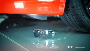 """R8 şi cei mai rezistenţi ochelari din lume. Cine se """"înţeapă""""?"""