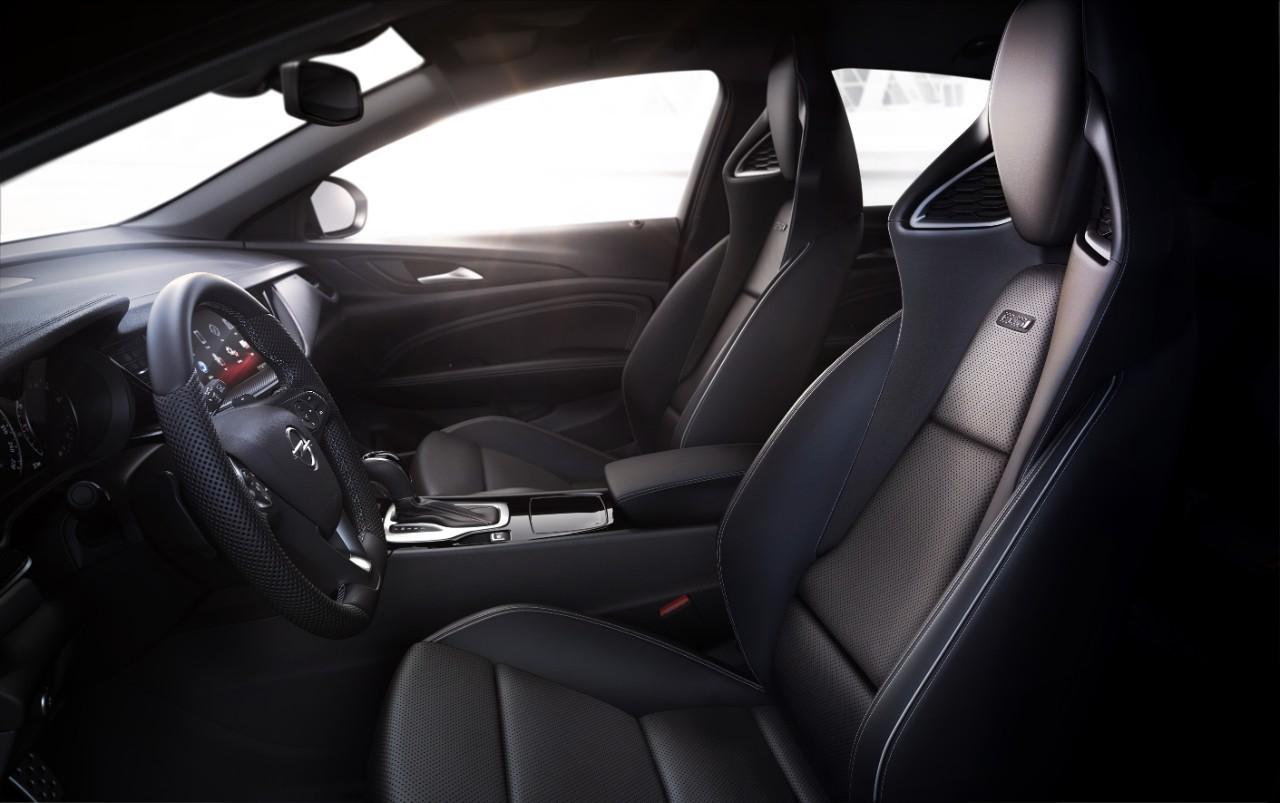 opel-insignia-gsi-un-sedan-sport-cu-o-groaza-de-cai-putere-