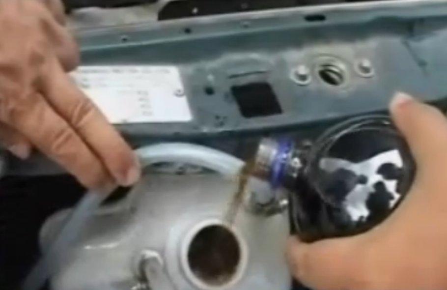 MADE ÎN ROMÂNIA - Maşina care merge 5000 de km cu 2 litri de apă