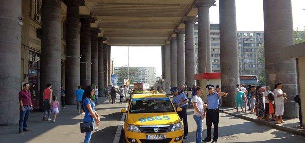 Poliţia a făcut curat printre taximetriştii de la Gara de Nord şi de la Aeroportul Henri Coandă