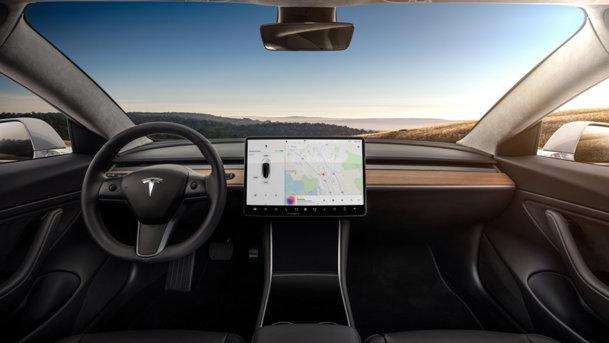 La cât costă, iată şi cât consumă noua Tesla. Consumul real al lui Model 3 a fost probat în SUA. Ce putere are maşina şi cât te ţin bateriile?