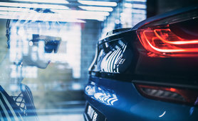 La plimbare cu BMW i8 prin mall - VIDEO