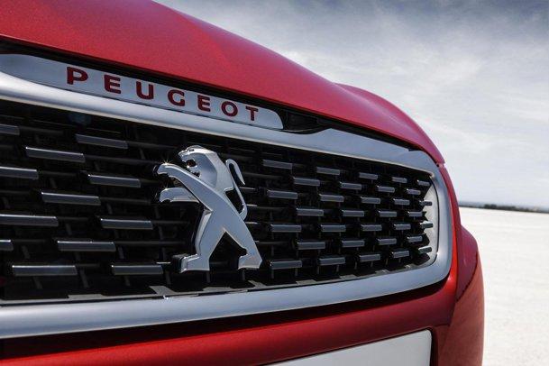 Peugeot şi Citroen acuzate. Ce ar fi făcut cu 2 milioane de maşini?